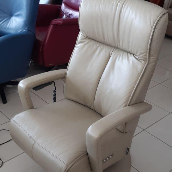 Elektromos fotel, hátmasszázs funkcióval F1/002